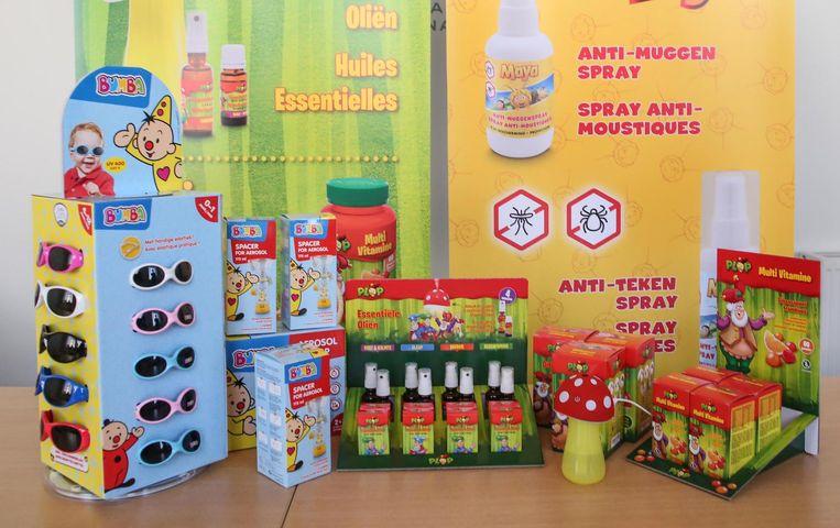 Een blik op het assortiment van Eureka Pharma: fopspenen, aerosols, muggensprays, enzovoort.