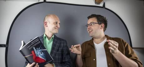 Promoveren aan de Universiteit Twente? Ook daar hoort voor Frank en Peter een gebarentolk bij