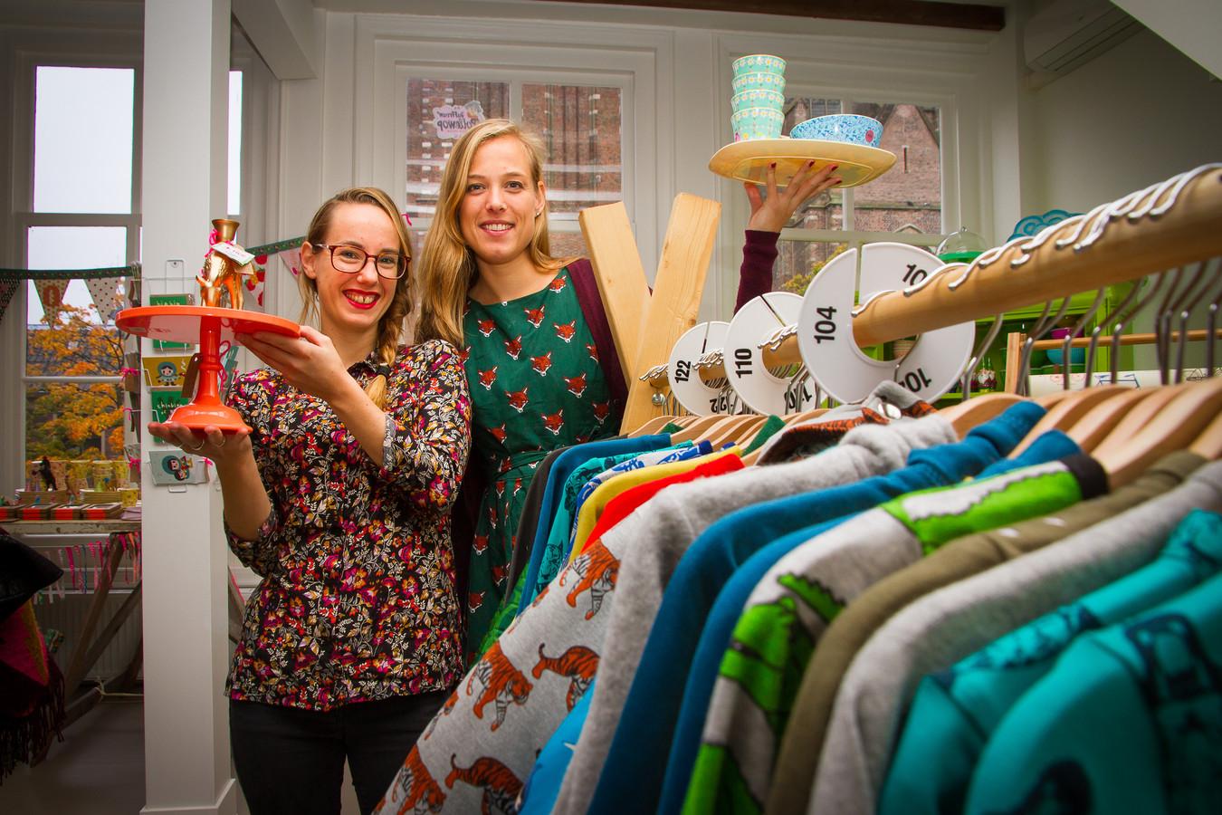 Nelleke de Valk (links) en Stella Koekkoek van Kind zo blij.