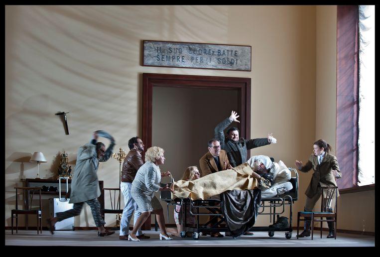 In 'Gianni Schicchi' zingt en acteert men dat het een lust heeft. Beeld BAUS