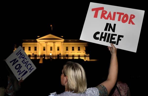 **Adviseurs Trump opgeroepen demonstratief op te stappen na top met Poetin**