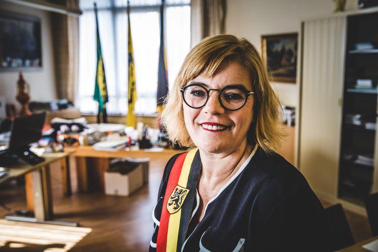 Tania De Jonge spuwt haar gal over Forza Ninove.