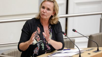 """Homans: """"Ongezien dat ambtenaren staken voor onderhandeling is begonnen"""""""