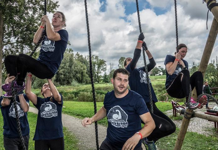 Suvival run in Gennep en Ottersum met 1500 deelnemers. Survivalrun in Gennep en Ottersum.
