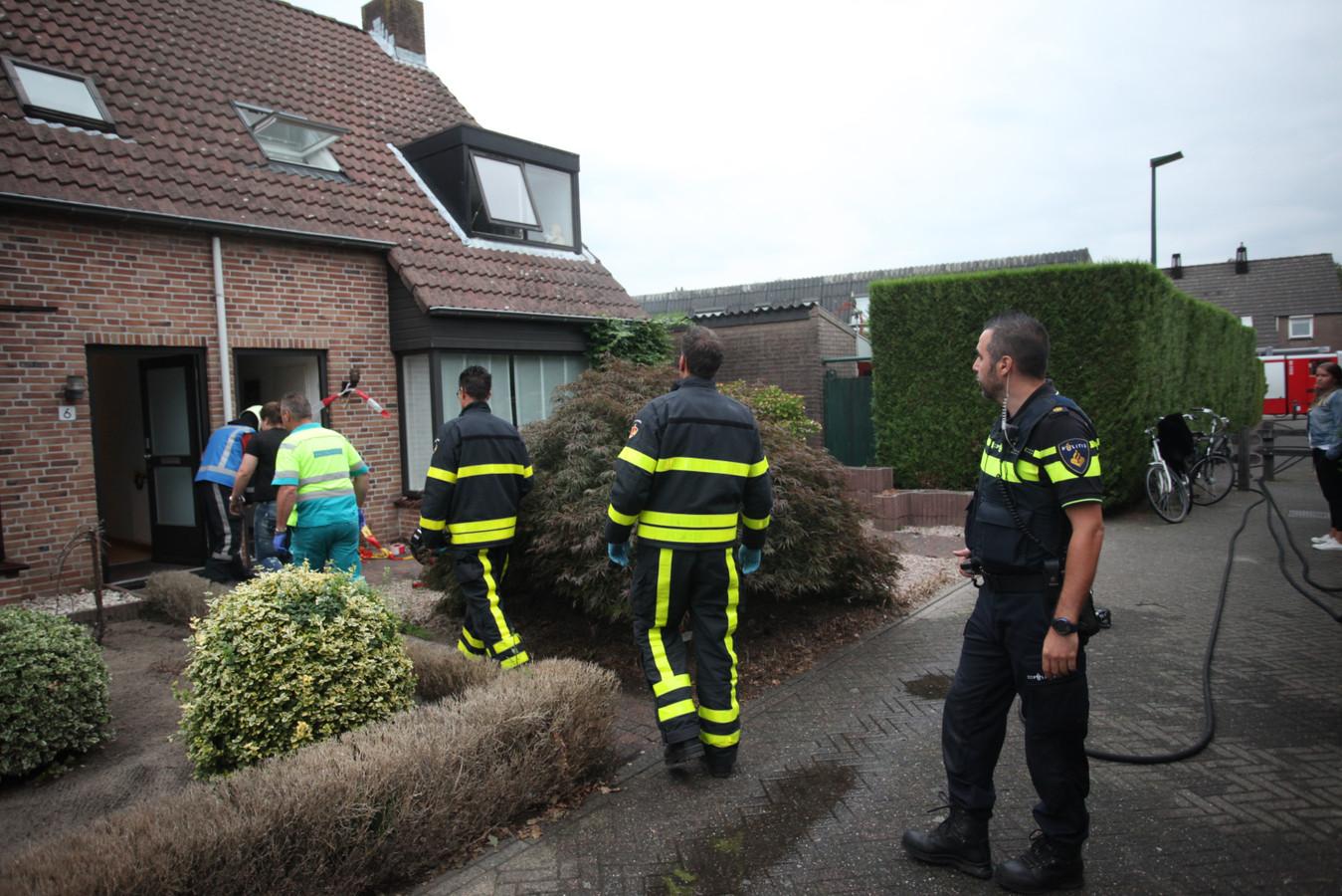 De twee tieners raakten gewond bij een woningbrand in Dongen.