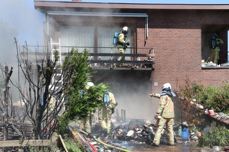 De woning is onbewoonbaar en de schade bijzonder groot.