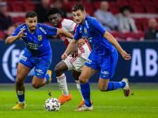 EK-ticket voor loopwonder Vitesse: Matus Bero klaar voor vliegende tackle op Sergio Ramos