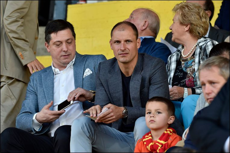 Dejan Veljkovic hier met Milan Jovanovic in de tribunes van KV Mechelen.