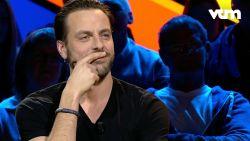 Guga en Jelle spelen in 'Kan Iedereen Nog Volgen' een spelletje Geert Hoste imiteren. Wie wint?