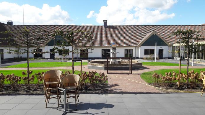 De binnentuin van cultureel centrum De Voorste Venne in Drunen. Vrijdag 26 oktober is de officiële heropening na de renovatie. Zondag 28 oktober is er open huis; ook kunstencentrum de Aleph heeft voor die dag allerlei activiteiten op touw gezet.