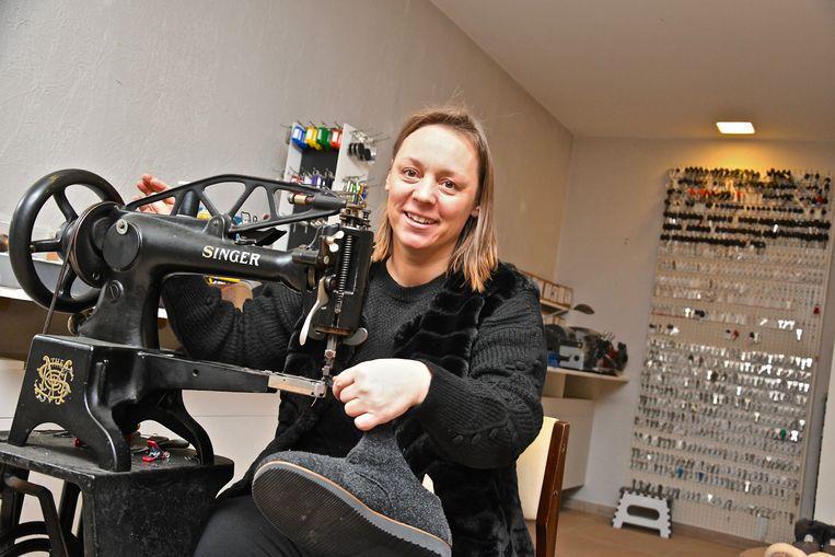 Patricia Coudeville is eigenaar van de nieuwe schoenmakerszaak 't Spoor.