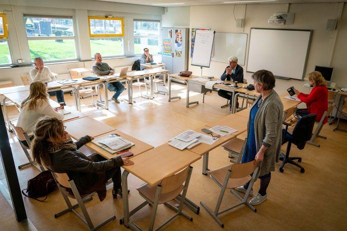 Twee maanden geleden was er nog een crisisoverleg bij het HPC in Zetten. Nu moeten langzaam puzzelstukjes op zijn plek gaan vallen over hoe leerlingen veilig naar school te laten gaan.