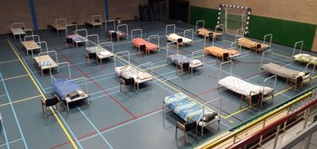 Coronacrisis: tijdelijk daklozenopvang in sporthal De Braak in Helmond