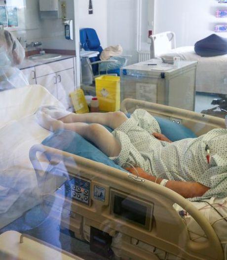 Les admissions à l'hôpital en hausse de 53% mais l'occupation des lits reste limitée