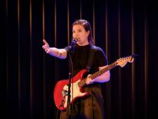 Lotte Velvet slaat dubbeslag op Amsterdams Kleinkunst Festival met jury- én publieksprijs