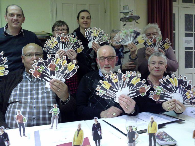 De leden van Beweging.net Heuvelland, een organisatie die streeft naar een kwaliteitsvol leven voor iedereen, zet de vrijwilliger in de kijker.