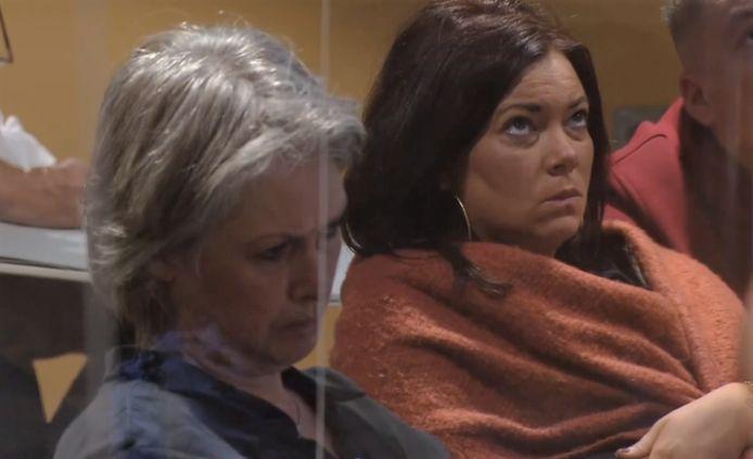 Moeder en zus van Nicky Verstappen horen de verklaring van Jos Brech aan.