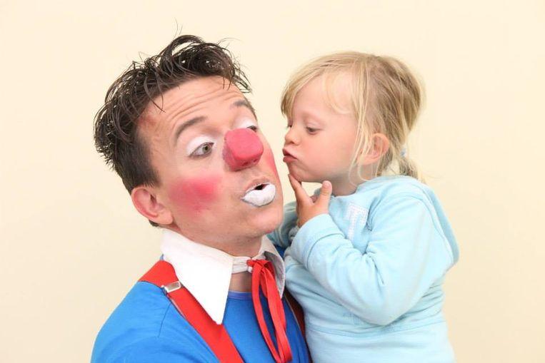 Nico Lenny als clown met zijn dochtertje Liesje