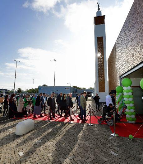 Corona en Offerfeest: El Feth Moskee in Bergen op Zoom twee weken dicht uit voorzorg