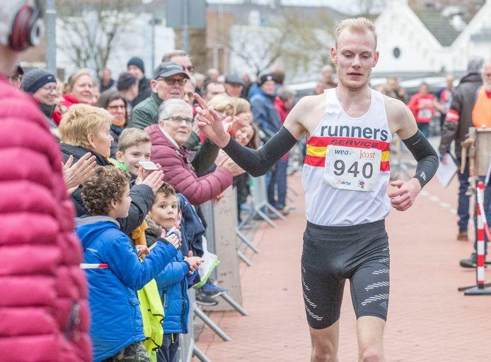 Tim van de Velde won in januari van dit jaar de Wallenloop in Goes. Hij zal geen opvolger krijgen.