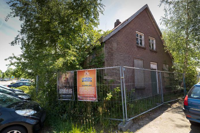 Nederland,  Berlicum, het verloederde pand aan de Hoogstraat
