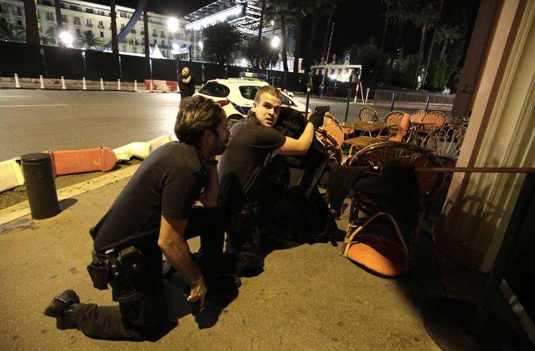 Politie-agenten in Nice. Beeld Reuters