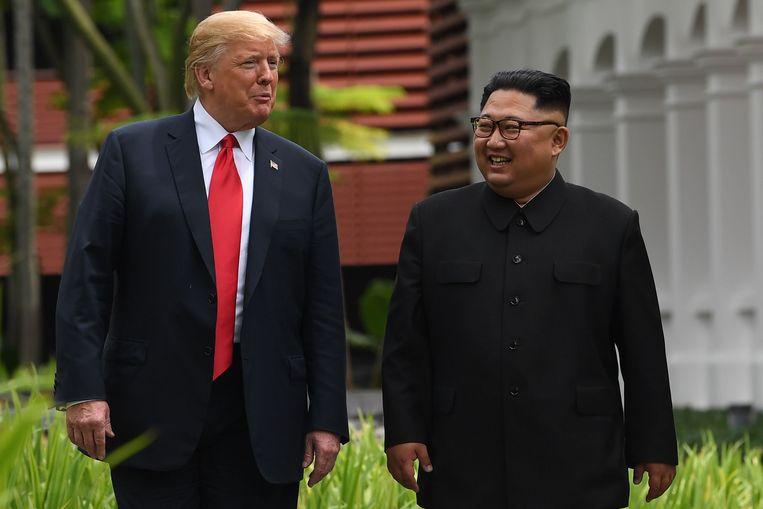 Amerikaans president Donald Trump (L) en Noord-Koreaans leider Kim Jong-un (R).