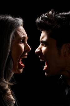 Mannen plegen vaker fysiek en seksueel geweld, vrouwen stalken en schelden eerder