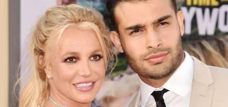 """Cette photo de Britney avec son compagnon inquiète (encore une fois) les fans: """"Ça me met mal à l'aise"""""""