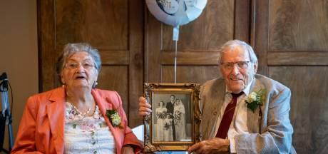 Relatietips van het echtpaar dat 70 jaar getrouwd is: 'Knuffelen, heel belangrijk!'