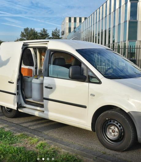 Mannen uit Eindhoven aangehouden bij busje met 400 liter drugsafval in Tilburg