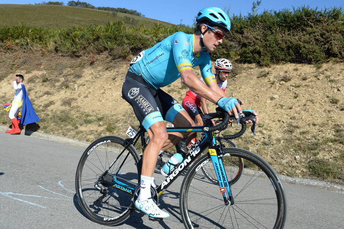 Jakob Fuglsang wint de zestiende etappe in de Vuelta.