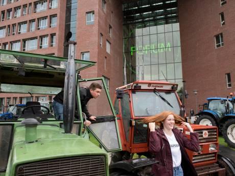 Zeker 300 boeren op trekkers naar provinciehuis, opstoppingen rond Arnhem verwacht