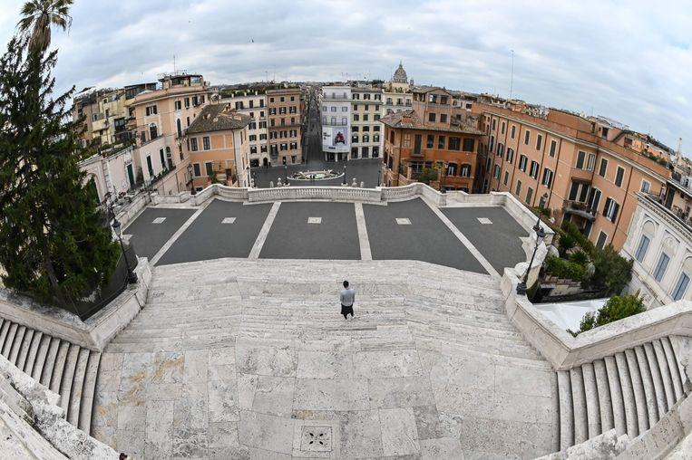 De Spaanse Trappen in Rome zijn verlaten. Beeld AFP