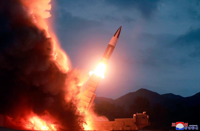 De lancering van een Noord-Koreaanse raket op 10 augustus. Volgens Pyongyang gaat het om een korteafstandsraket.