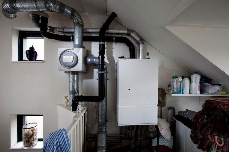 CV instalatie voor verwarming en warm tapwater in huis. Beeld anp