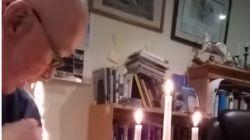 Trui van Britse priester vat vuur tijdens online mis