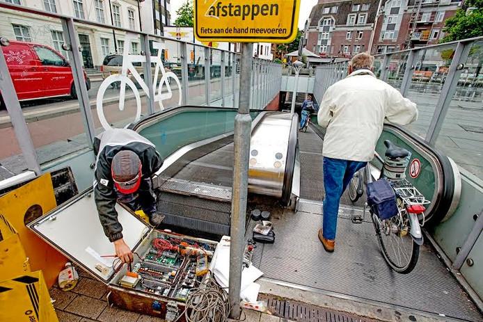 Archieffoto: afval dat in de rolpaden valt, legt het systeem lam.