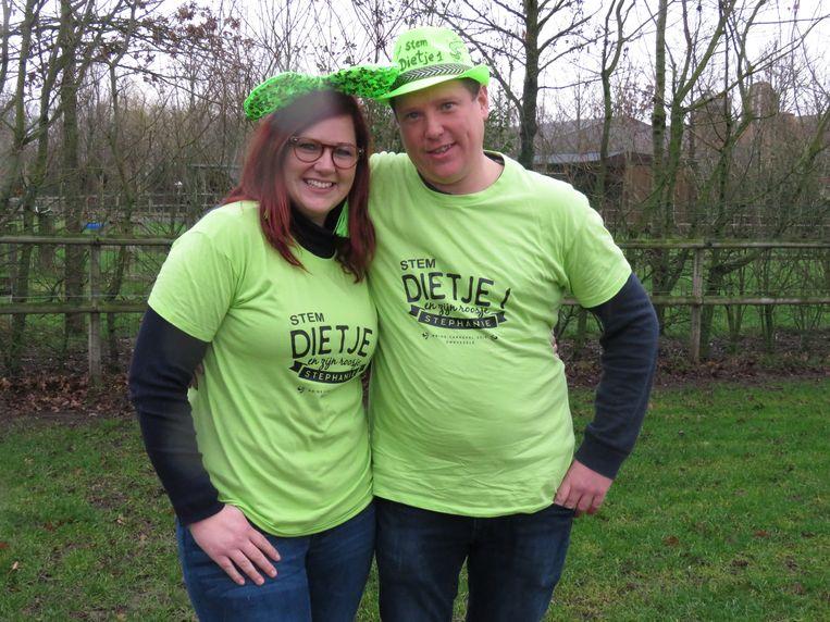 Dieter Vancauwenberghe en Stephanie D'Hondt gaan voor een familiale campagne.