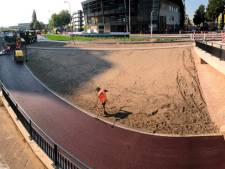 Asfalt nieuwe fietspaden stationsgebied Deventer koelt nauwelijks