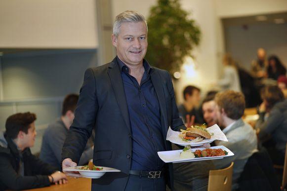 Rudy Rampelberg in zijn studentenrestaurant