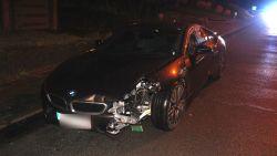 BMW van 150.000 euro mist bocht met veel schade als gevolg