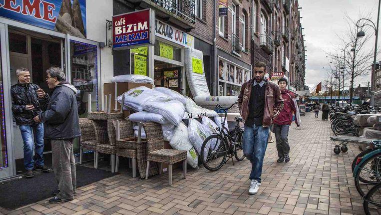 Javastraat, 2013. De waardering voor de Indische Buurt door haar bewoners stijgt. Beeld Floris Lok