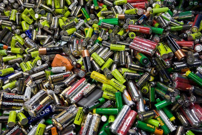 Lege batterijen behoren tot klein chemisch afval.