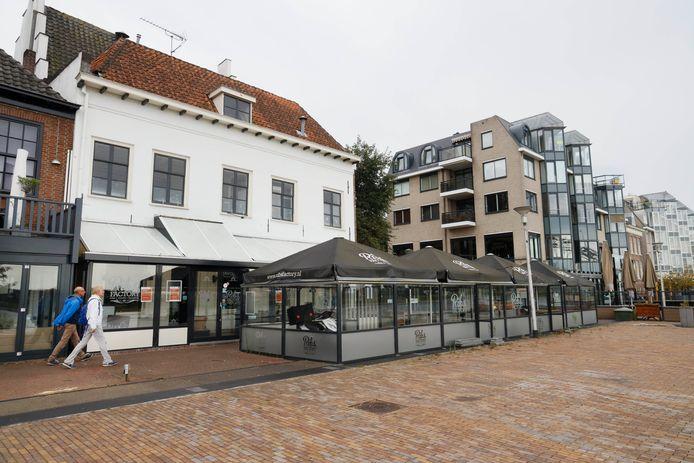 Ribs Factory aan de Waalkade in Nijmegen. Het spareribrestaurant is definitief gesloten.
