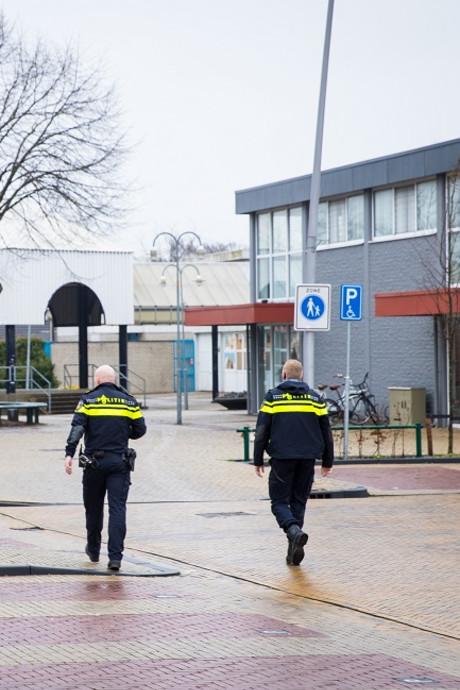 Inbrekers houden huis in winkelcentrum Wezep
