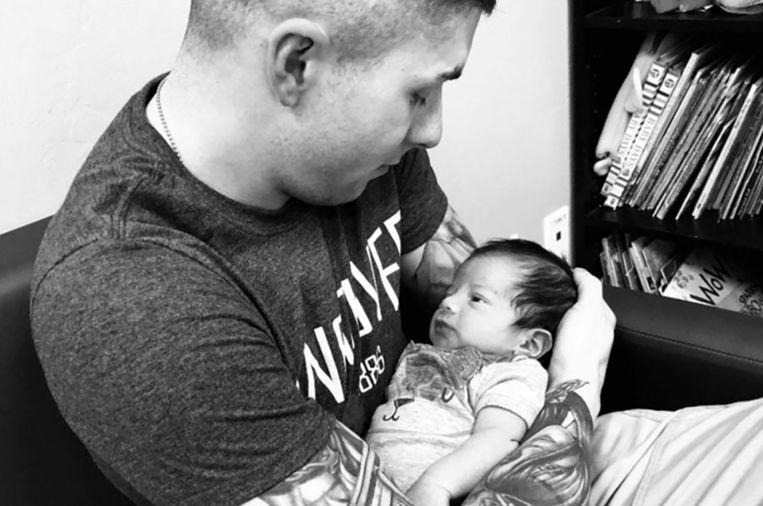 De 24-jarige Steven Garcia en baby Leo.