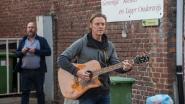 """Buren richten de Melle Kloosterstraat Distancing Band op: """"We zullen doorgaan."""""""