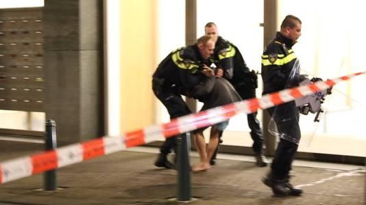 De Syrische Hagenaar werd eerder dit jaar aangehouden nadat hij zijn huisraad het raam uit gooide.