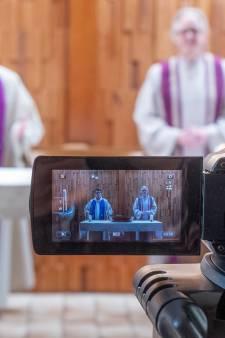 Landelijke kerkomroep in Waddinxveen werkt zelfs op zondag om grote drukte op te vangen